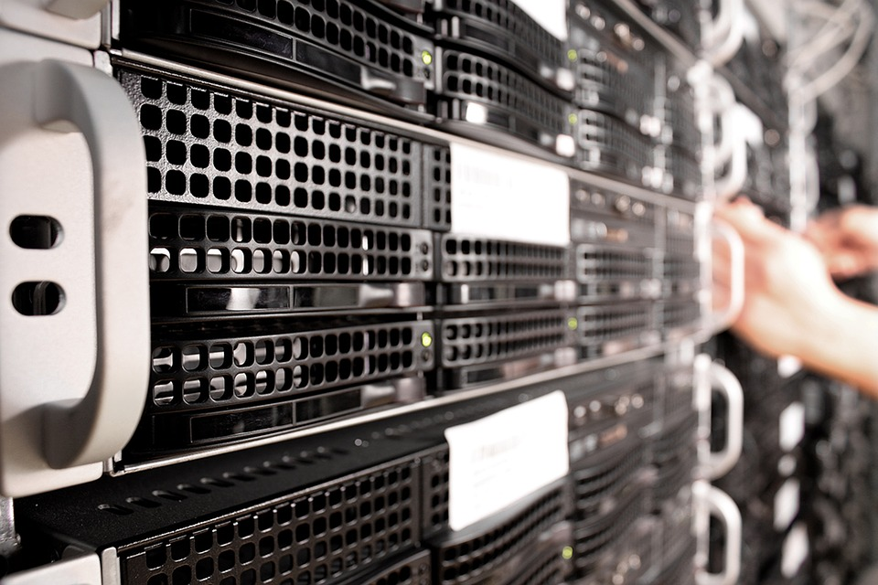 Server and Data warehouse hosting in the cloud